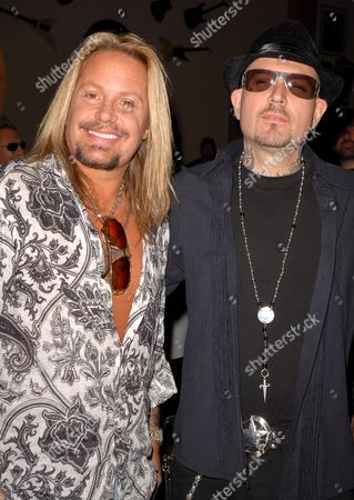 Vince Neil and Evan Seinfeld