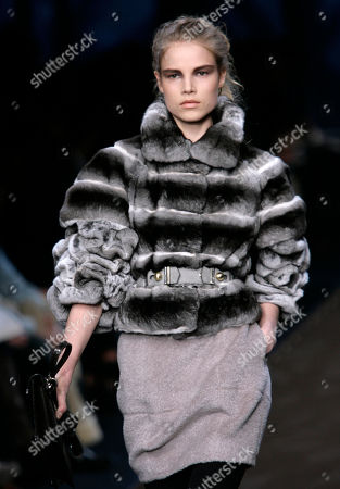 Suvi Koponen Finnish model Suvi Koponen wears a creation part of the Fendi Fall/Winter 2008/2009 women's collection presented in Milan, Italy