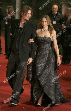 "Mira Sorvino, Chris Backus Actress Mira Sorvino arrives with her husband Chris Backus for the presentation of her film ""Reservation Road"" at the Rome film festival"