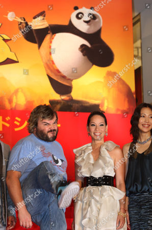 """Jack Black, Lucy Liu, Yoshino Kimura American actor, comedian and musician Jack Black, left, poses for photographers with American actress Lucy Liu and Japanese actress Yoshino Kimura during the Japan premiere of """"Kung Fu Panda"""" in Tokyo"""