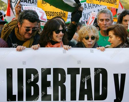 Maribel Verdu, Rosa Maria Sarda, Luisa Martin Spanish actress, from right to left, Luisa Martin, Rosa Maria Sarda and Maribel Verdu hold a banner reading 'Freedom' during a demonstration in Madrid, protesting against Morocco's takeover of the whole Western Sahara and calling on a solution for the region's future