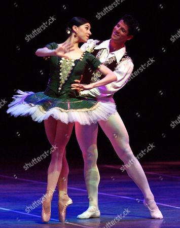HERRERA GOMES American Ballet Theatre dancer, Argentine Paloma Herrera rehearses with Brazilian ballet dancer Marcelo Gomes at the Colon Theater in Buenos Aires, Argentina . Herrera and Gomes will perform on Thursday at the Colon Theater