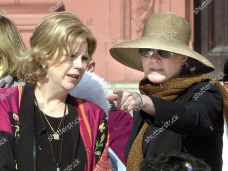 Mary Eisenhower, the granddaughter of late President Dwight D. Eisenhower, left, listens to Celia Sandys, granddaughter of Winston Churchill, Britain's wartime Prime Minister, during the official inauguration of the Peace Camp Program at the Egyptian museum in Cairo, Wednesday, Dec.10, 2003