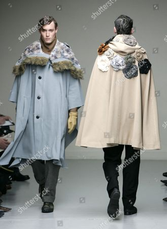 NAOKI TAKIZAWA Models present a creation by Japanese designer Naoki Takizawa forIssey Miyake men's fall-winter 2005-2006 pret-a-porter collection presented in Paris