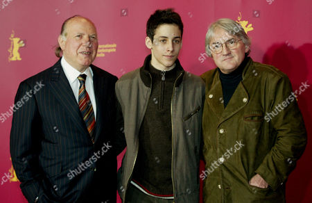 """KERTESZ NAGY KOLTAI Hungarian Nobel literature prize winner Imre Kertesz, left, actor Marcell Nagy, center, and director Lajos Koltai pose at a press conference about the movie """"Fateless"""" at the 55th Berlin International Film Festival in Berlin on"""