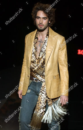 ROCCO BAROCCO Model Sergio Muniz wears an outfit as part of the Rocco Barocco Fall/Winter 2005/2006 men's collection, presented in Milan, Italy