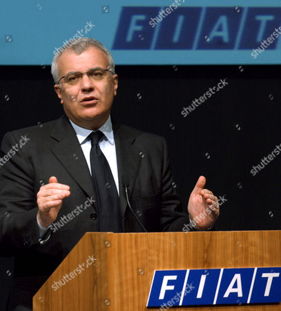 Fiat CEO Giuseppe Morchio gives his statement during a press conference following the company's board of director's meeting in Turin, northern Italy, . Fiat argued that its latest financial results show that the struggling automaker is on the mend, a year after the death of longtime boss Giovanni Agnelli, Umberto's elder brother