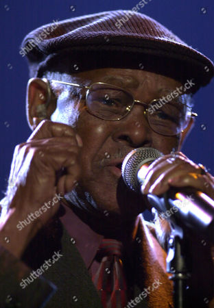 """IBRAHIM FERRER Cuban Ibrahim Ferrer of the Buena Vista Social Club performs a song off his latest album """"Buenos Hermanos"""" in Macedonia's capital Skopje, late"""