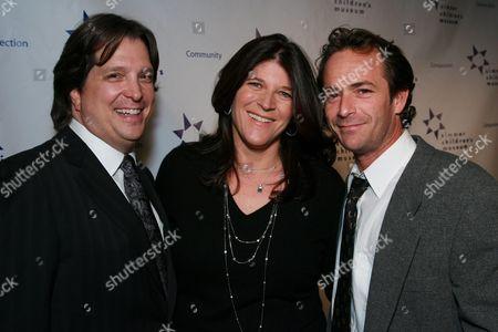 John Halperin, Co-honoree Missy Halperin and Luke Perry