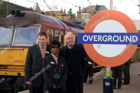 Colin Young and Nicolette Allen join Ken Livingstone to unveil sign at new TFL station Hampstead Heath