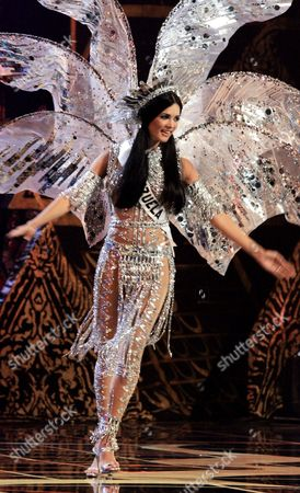 Monica Spear Miss Venezuela Monica Spear competes in the national costume category at the Miss Universe pageant in Bangkok, Thailand. Venezuelan authorities say the soap-opera actress and former Miss Venezuela and her husband were shot and killed resisting a robbery after their car broke down. Prosecutors said in a statement that Monica Spear and Henry Thomas Berry were slain late near Puerto Cabello, Venezuela's main port