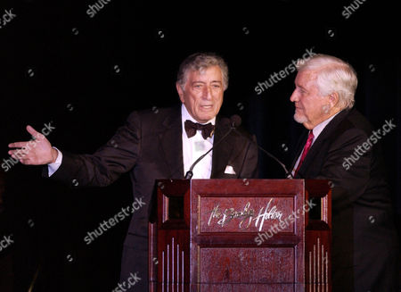 "BENNETT GRIFFIN Music recording artist Tony Bennett, left, and Merv Griffin attend ""An Evening to Remember Rosemary Clooney,"" in Beverly Hills, Calif"