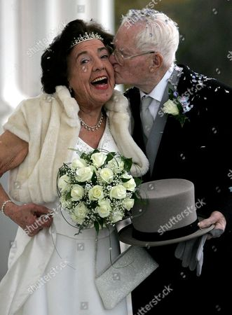 PPeggy Clark, 84 and James Mason, 93 at their wedding as they become Britains oldest newly married couple at Oldway Mansion, Paignton, Devon.