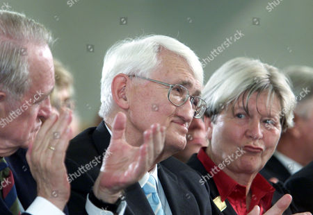 HABERMAS RAU HABERMAS-WESSELHOEFT German philosopher Juergen Habermas, center, is applauded by German President Johannes Rau, left, and his wife Ute Habermas-Wesselhoeft, right, before he was awarded with the renowned Peace Prize of the German Booktraders' Association in Frankfurt, Germany