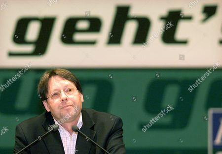 "Ludger Volmer, state minister in the German foreign ministry and member of the party ""Buendnis 90/Die Gruenen"" during his speech at a party convention in the western German city of Dortmund on"