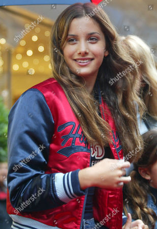 KINSKI Sonja Kinski, daughter of German actress Nastassia Kinski, is pictured at the opening of a new Tommy Hilfiger retail store in Duesseldorf, Germany, . Sonja Kinski is one of Hilfiger favorite models