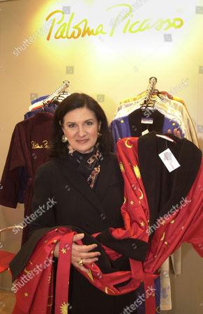 """PALOMA PICASSO French designer Paloma Picasso, daughter of famous painter Pablo Picasso presents bath robes of her collection at the Home Fashion Fair """"Heimtextil"""" in Frankfurt, Germany"""