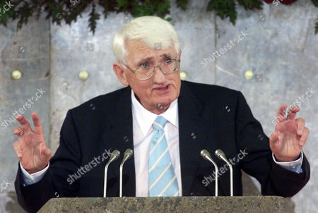 HABERMAS German philosopher Juergen Habermas gestures as he delivers his speech after he was awarded with the renowned Peace Prize of the German Booktraders' Association in Frankfurt, Germany