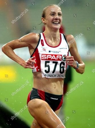 RADCLIFFE British runner Paula Radcliffe in action to win the title and setting up a new European record with 30:01:09 minutes at the European Athletics Championships in the Olympic Stadium in Munich, Germany