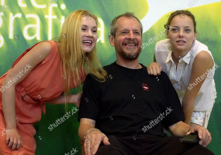 """Americans actress Rachel Miner, film director Larry Clarke and actress Bijou Phillips, from left, pose during the presentation of the film """"Bully"""" at the Venice Film Festival, northern Italy, . """"Bully"""" is in competition for the Golden Lion at the 58th Venice film festival"""