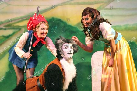 Editorial image of Pantomime production of 'Dick Whittington' at the Hackney Empire, London, Britain - 30 Nov 2007