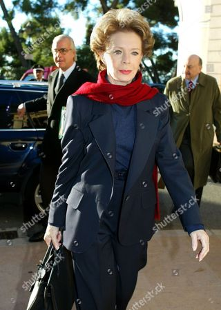 SAFRA BONNANT KIEJMAN Widow of late billionaire Edmond Safra, Lily Safra, foreground, arrives with her lawers Georges Kiejman, right, and Marc Bonnant at Monaco's courthouse, for the trial of American nurse Ted Maher. Maher, charged in the arson death of his employer Edmond Safra on Dec. 3, 1999, and going on trial since Nov. 21, defended himself on Friday, saying he never expected the fire he started in a small wastebasket in Safra's luxury Monaco penthouse to rage out of control