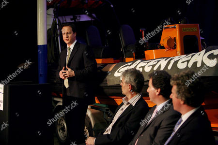 David Cameron speaks at Greenpeace HQ London with John Sauven Ex Director of Greenpeace Oliver Letwin MP and Peter Ainsworth MP