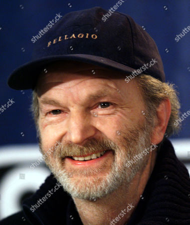 """MICHAEL GWISDEK German actor Michael Gwisdek smiles during a press conference on his movie """"Nachtgestalten"""" at the 49th International Film Festival in Berlin . Gwisdek will be awarded with the Silver Bear for best actor Sunday night February 21, 1999"""