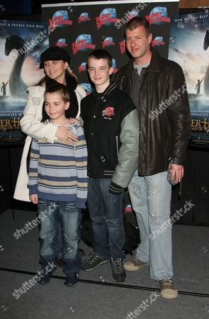Alex Etel and family