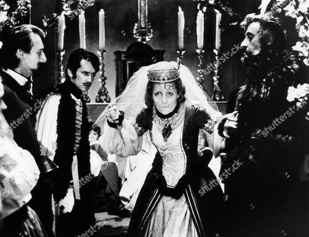 Sandor Eles (second from left), Ingrid Pitt, Nigel Green (right)