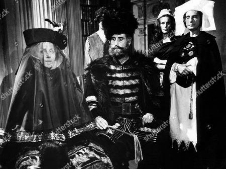 Ingrid Pitt (left), Nigel Green (center), Patience Collier (right)
