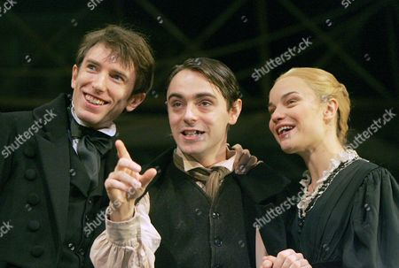 Daniel Weyman as Nicholas, David Dawson as Smike and Hannah Yelland as Kate