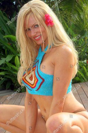 'Celebrity Love Island' - Nikki Ziering - 2005