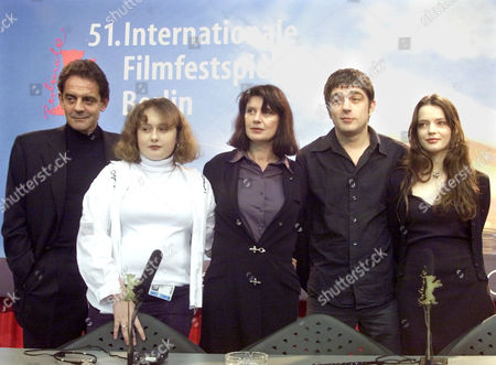"""BREILLAT The cast members of the French movie """"A ma Soeur"""" during a press conference of the Berlin Film Festival at the Berlinale Palast, . From left to right: Producer Jean-Francois Lepetit, actress Anais Reboux, director Catherine Breillat, actor Libero de Rienzo, actress Roxane Mesquida"""