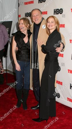 Amy Ryan, John Doman, Deirdre Lovejoy
