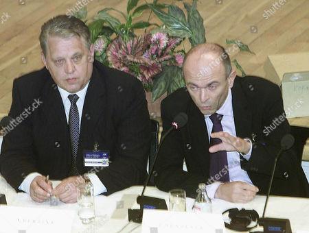 LAAR DRNOVSEK Estonia's Prime Minister Mart Laar, left, listens to his Slovenian counterpart Janez Drnovsek during a conference on NATO-enlargement, in Bratislava, Slovakia
