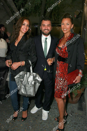 Edmundo Castillo, Vannesa Williams and daughter Melanie Hervey
