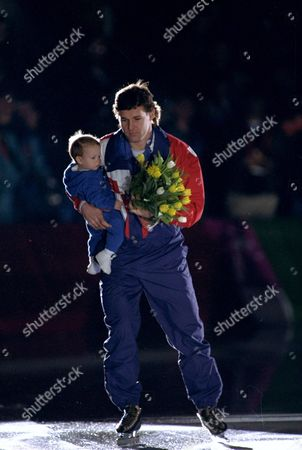 Speed skating Jansen American speed skater Dan Jansen with his daughter Jane, 8 1/2 months old, takes a gold medal victory lap following the men's 1,000 meter event at Hamar Olympic Hall in Hamar, Norway, . Jansen won the gold, setting a world record time of 1:12.43