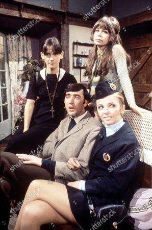'Please Sir' TV - 1969 - Liz Gebhardt, Penny Spencer, John Alderton, Jill Kerman.
