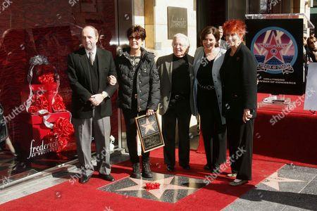 Bob Newhart Artie Johnson, Tina Sinatra, Artie Johnson, Linda LoRoe and Marcia Wallace