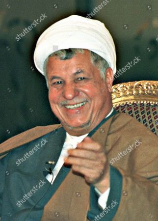 PAKISTAN IRAN Ali Akbar Hashmi Rafsanjani, President of Iran, has said that he did not find any difference between the policy of U.S. President Bill Clinton and the late Moshe Dayan of Israel regarding Palestanians. He was addressing a news conference in Islamabad where he travelled to take part in an Oganization of Islamic Countries summit