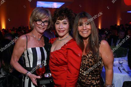 Nancy Daly Riordan, Lynda Resnick and Shelli Azoff