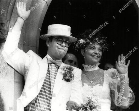 Elton John at his wedding to Renate Blauel at St. Marks Church, Sydney, Australie on