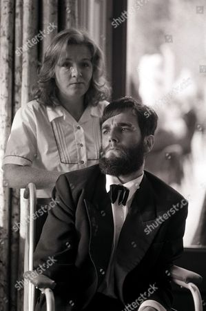 'My Left Foot' - Mary Carr [Ruth McCabe] and Christy Brown [Daniel Day Lewis].