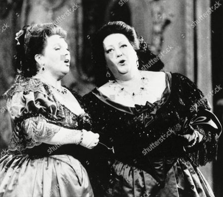 Opera singers Marilyn Horne, left, and Montserrat Caballe perform a duet at the Royal Opera of Versailles Palace in Paris