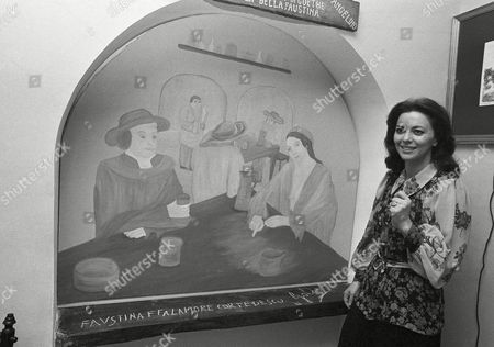 Italian actress Giovanna Ralli smiles in downtown restaurant in Rome on during unveiling ceremony according to some experts the writer proves that 18th century German poet Johan Wolfang Goethe was a regular at the inn
