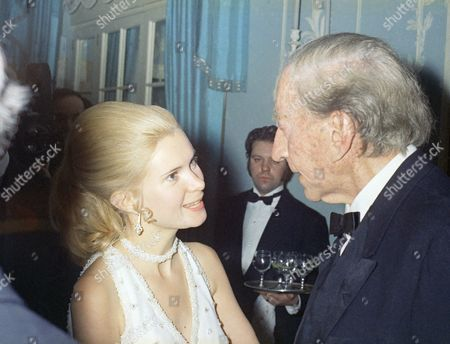 Paul Getty, Patricia Cox J. Paul Getty celebrates his 80th birthday at a party at the Dorchester Hotel in London . Among the dignitaries that were there: Patricia Cox, Daugther of President Richard Nixon