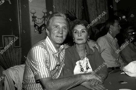 Actors Kirk Douglas and Jean Simmons are seen at the Villa D'Este around