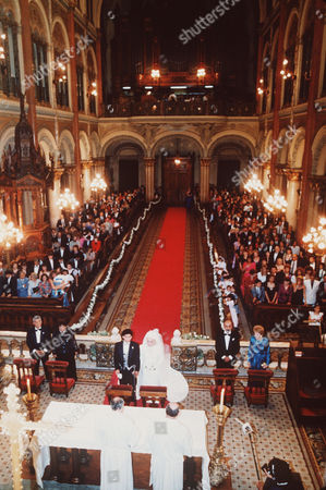 Bounos Aires - Maradona's Wed - View of the Chapel of Santisimo Sacramento, Tuesday night, during the relegious wedding ceremony in which Argentine soccer ace Diego Armando Maradona was married with his long time companion Claudia Villafane