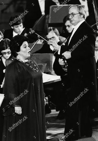 Marilyn Horne, Mario Bernardi Marilyn Horne, left, performs at United Nations Day concert at the General Assembly Hall, United Nations with the National Arts Center Orchestra of Ottawa, conducted by Mario Bernardi
